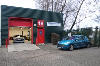 The Autosolutions Car Service Workshop In Newbury